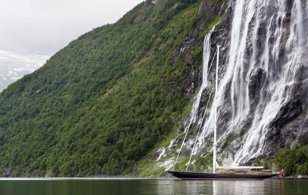 Yacht Wisp cruising the Geirangerfjord