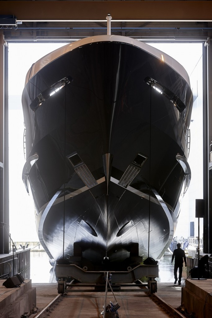 Project-Akoya-by-Heesen-Yachts--683x1024