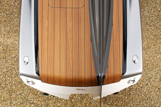Jaguar-Concept-Speedboat-08