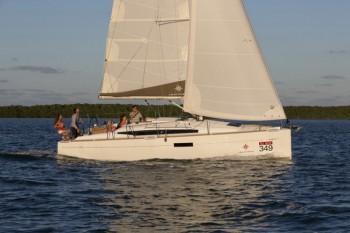 boat-349_exterieur_2014030716311522