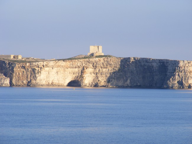 comino-s-st-mary-s-tower-above-the-cliff