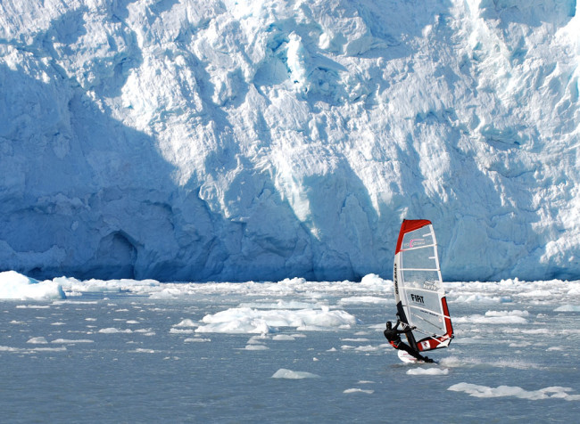 Glacier_surfing650x476