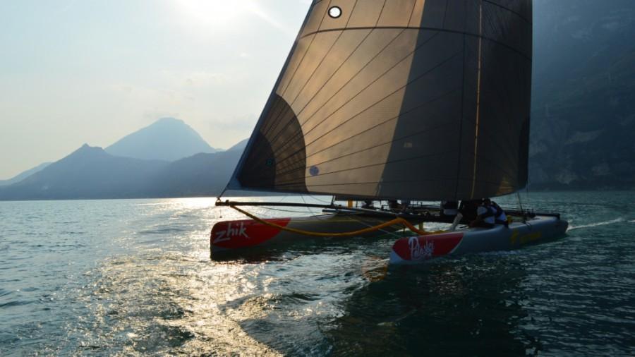 garda-napsutes-centomiglia-gorla-extreme40-sailing-vitorlazas-2016-blackjack-hajozashu-900x506