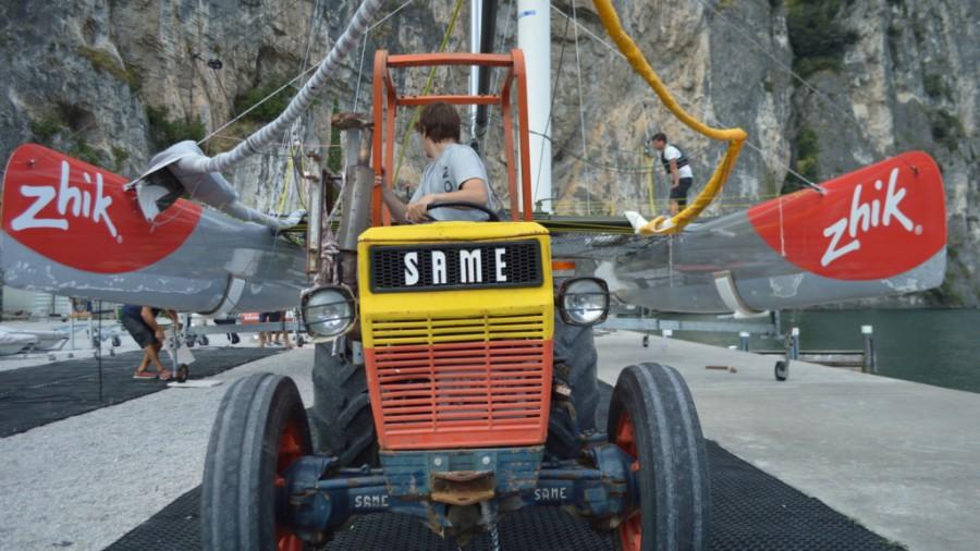 garda-traktor-centomiglia-gorla-extreme40-sailing-vitorlazas-2016-blackjack-hajozashu-900x506