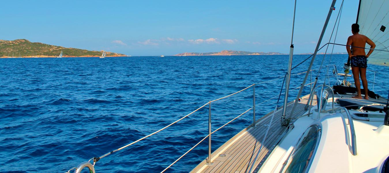 sailing-to-budelli-past-spagi-in-sardinia-italy