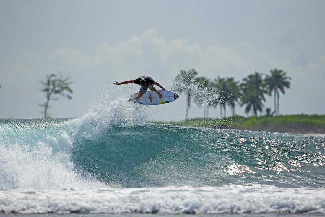 Dane-Reynolds-Surfing