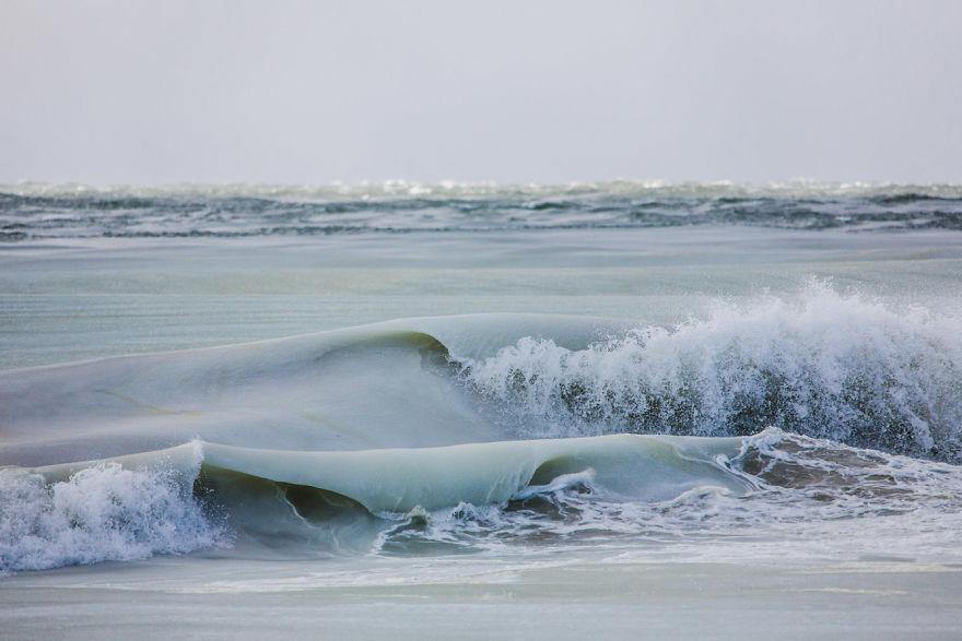 Slurpee-Waves-5894ad5d1afb4__880