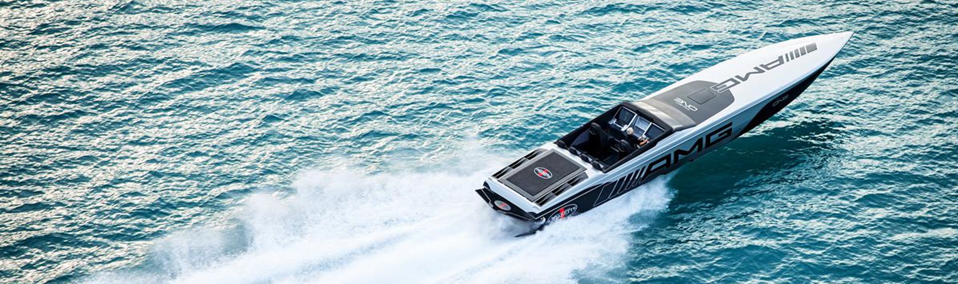 Sporthajót készít a Mercedes