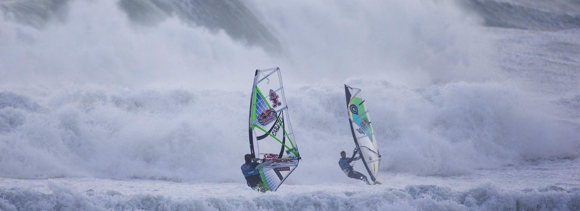 Véget ért az őrült szörfverseny