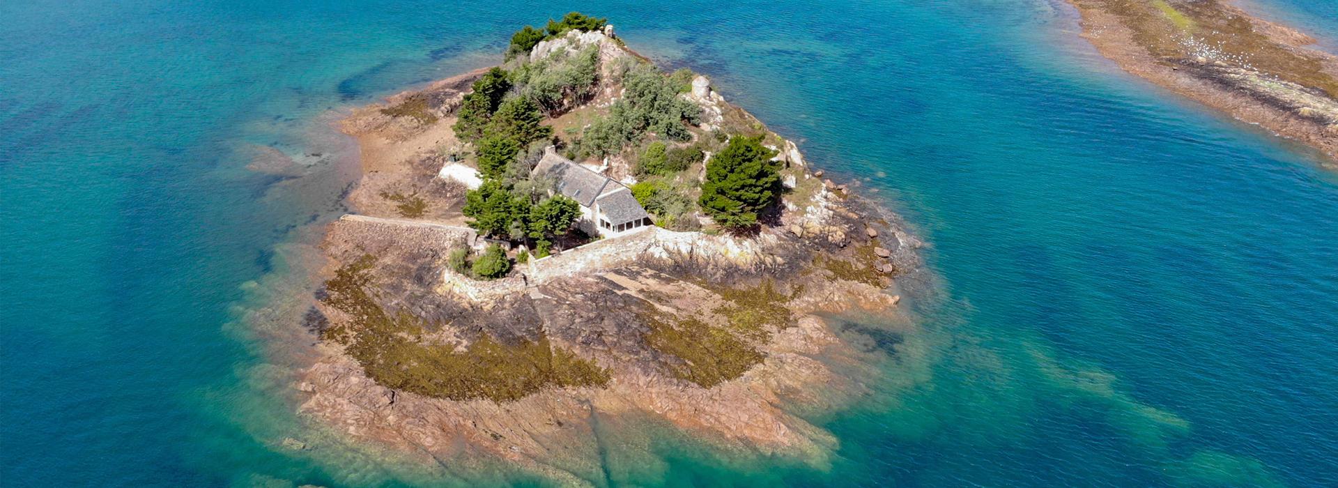 Eladó egy francia sziget